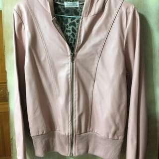 🚚 粉紅皮外套