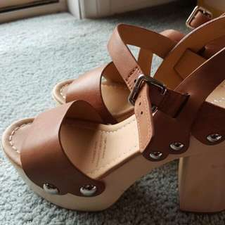 Tony Bianco leather sandals size 8
