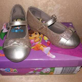 Payless - DORA Gold Glittered Shoes
