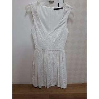 Dress Zara Vneck White Dress size M Made in Romania