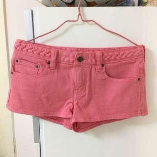 桃紅色Levi's 短褲