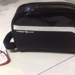 Crest Link Golf Clutch Bag