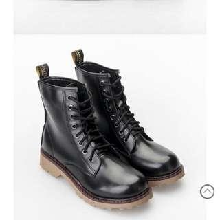 富發牌個性皮質馬汀靴