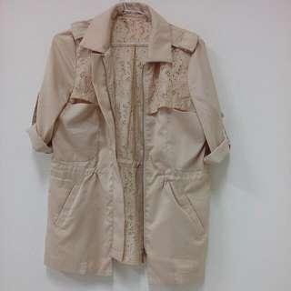 米黃長版外套