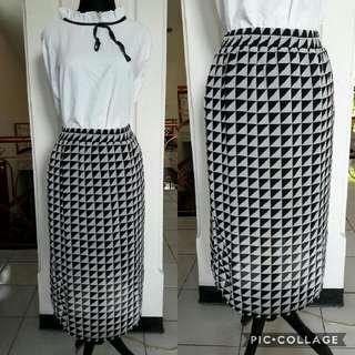 Midi Pattern Skirt