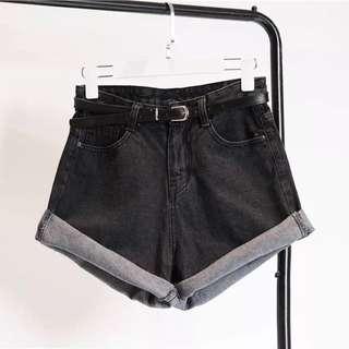 全新韓版 寬鬆捲邊 高腰牛仔短褲 熱褲 A字褲 纖瘦~