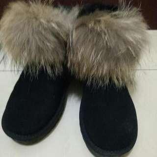 黑色短筒雪靴