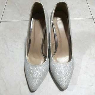 DMK Silver Glitter Wedding Heels Size 39 (Used Once)