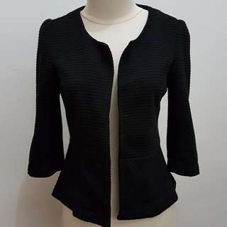 Outer Atmosphere Black size 6
