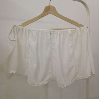 Something Borrowed White Off Shoulder Top (Size M)