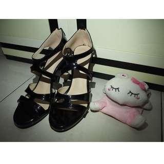 Black High Heels / Sepatu