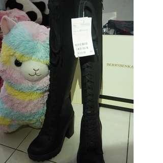 H&M Black Knee-High Boots
