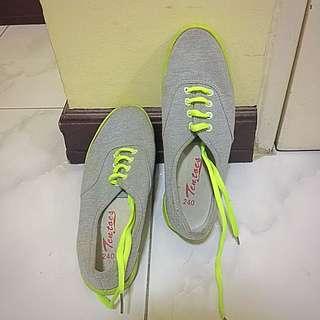 Tentoes Gray Sneakers