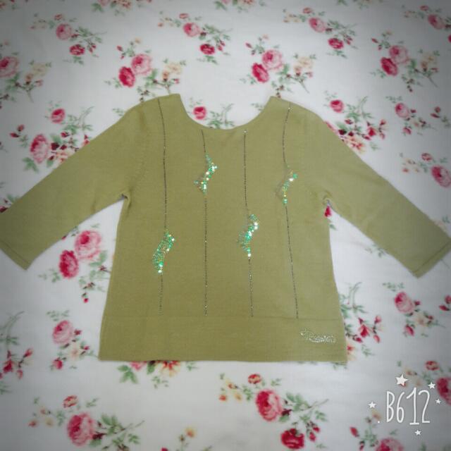 綠色亮片點綴針織上衣 #一百元上衣