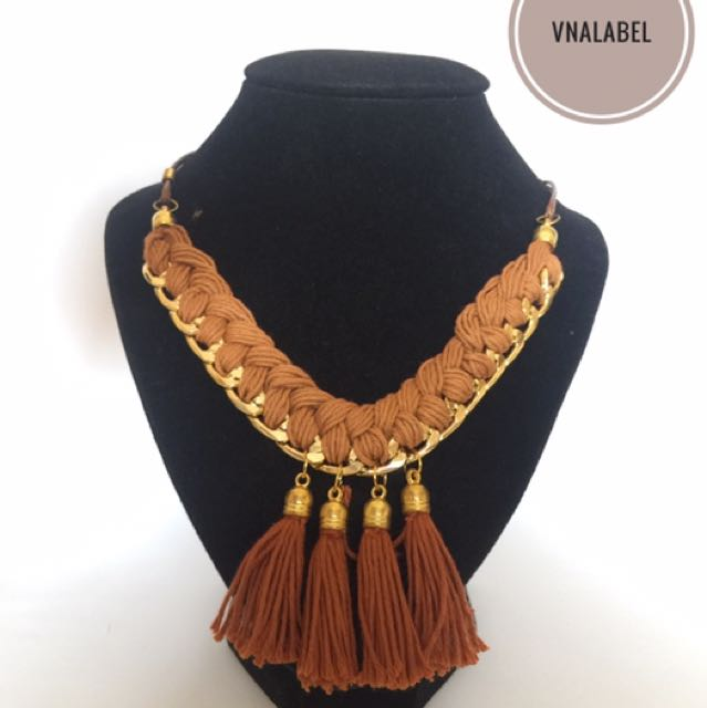 Adeline Necklace (Brown)