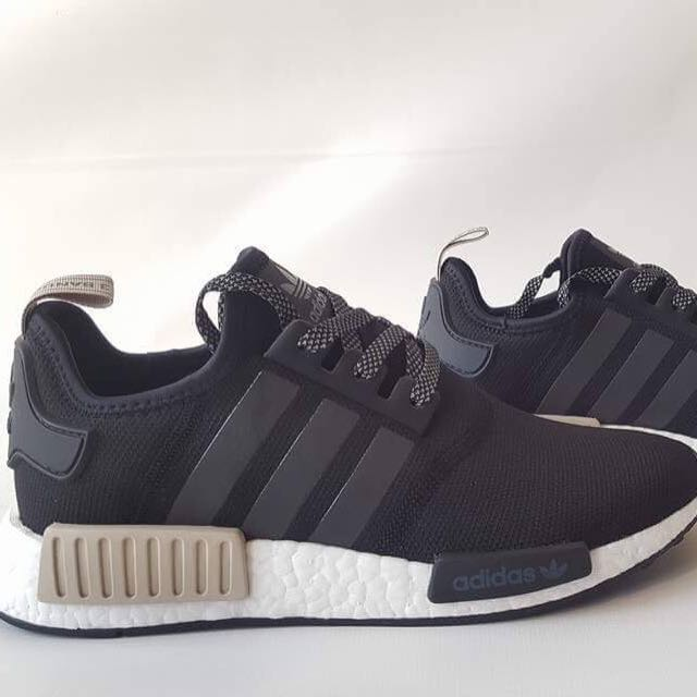 nmd r1 black and white mens