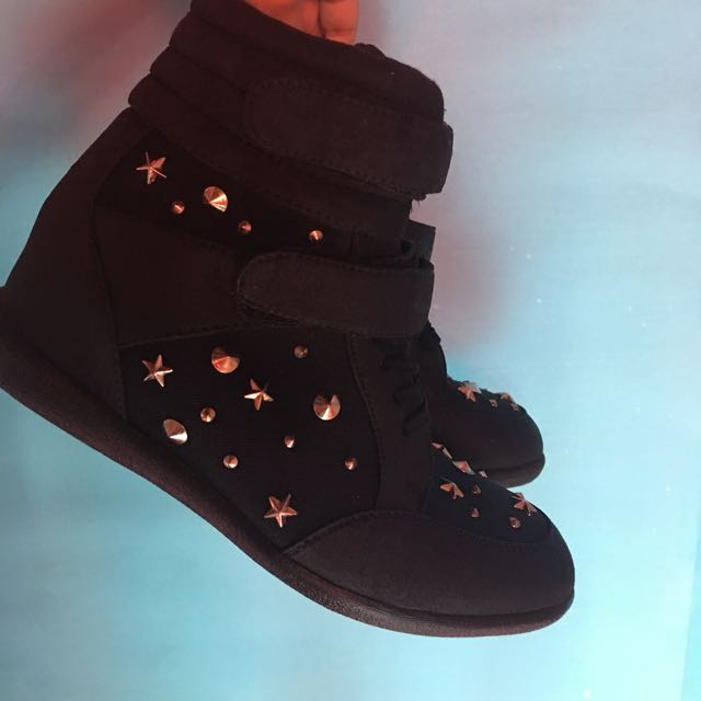 Authentic Pimkie Wedge Shoes