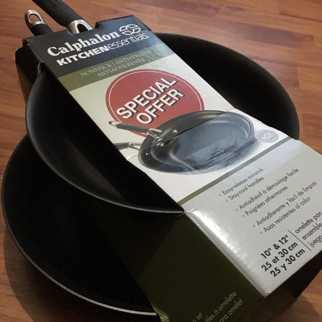 Calphalon Nonstick Omelette Pan Set (2)