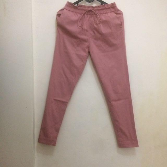 Celana pink