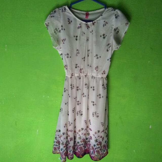 Dress White Merk Pink (Barter Boleh)
