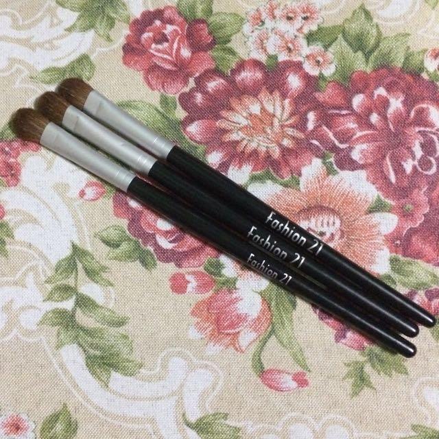 3pcs. Eyeshadow Brushes-large