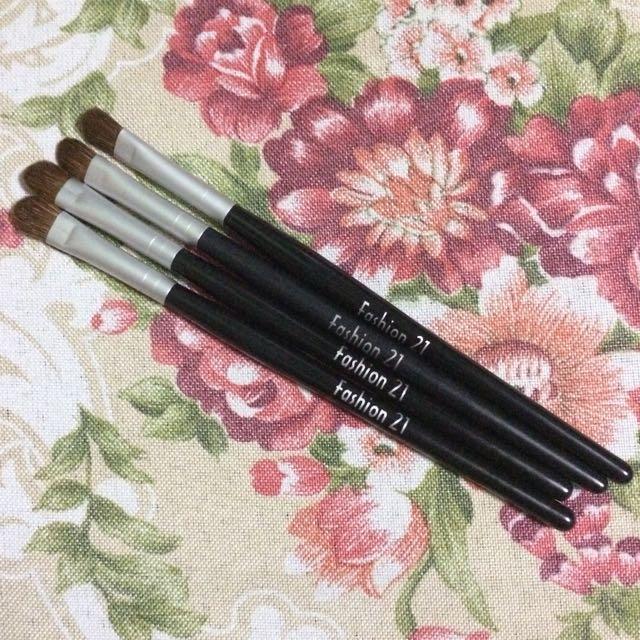 4pcs. Eyeshadow Brushes-small