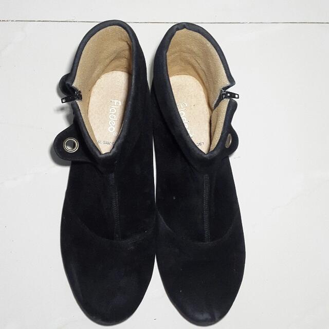 Fladeo Boots Hitam