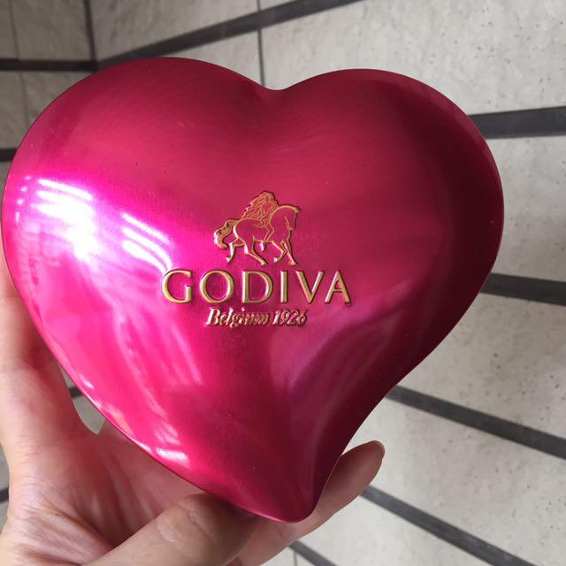 GODIVA 情人節桃紅小鐵盒