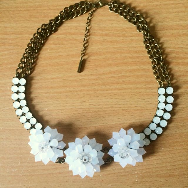 Gold/Crystal Necklace