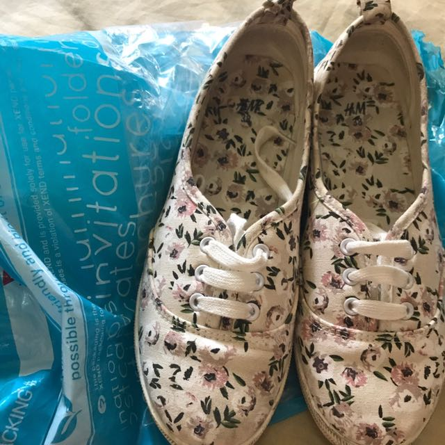 Authentic! H&M Floral Sneakers