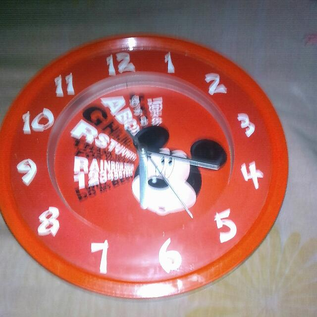 Jam Dinding Mickey Mouse