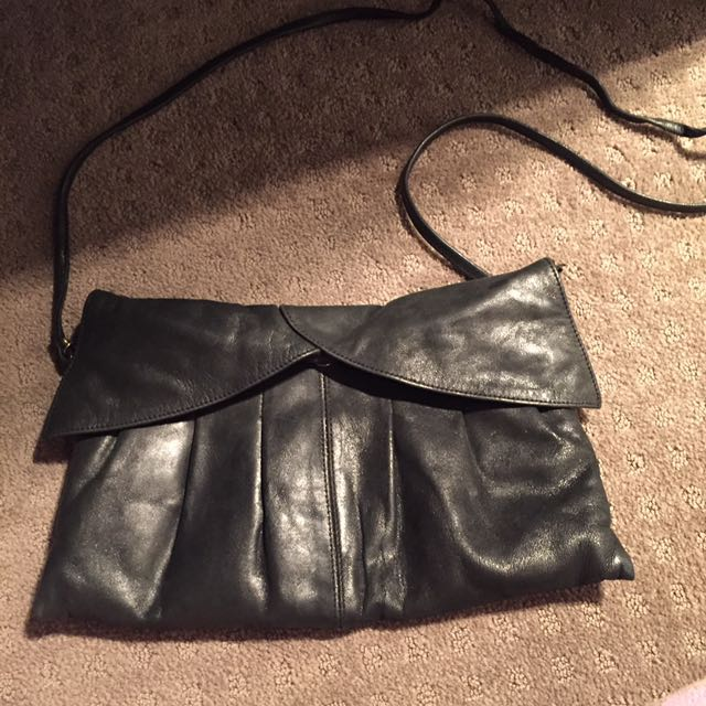 Leather Black Hand Bag And Clutch
