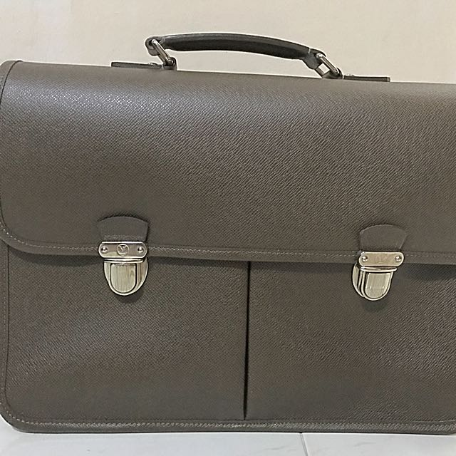 56b38b75e6 Louis Vuitton Anton Briefcase on Carousell