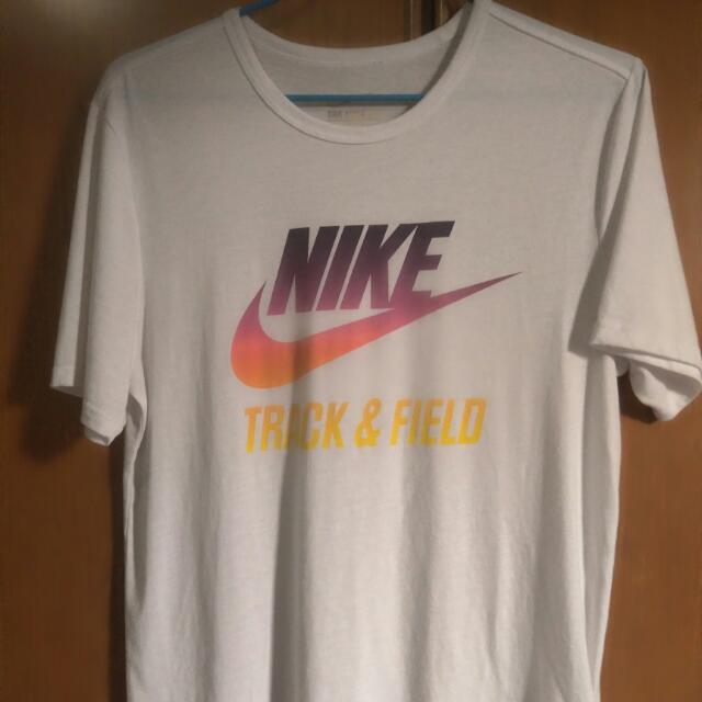 Nike白色大logo