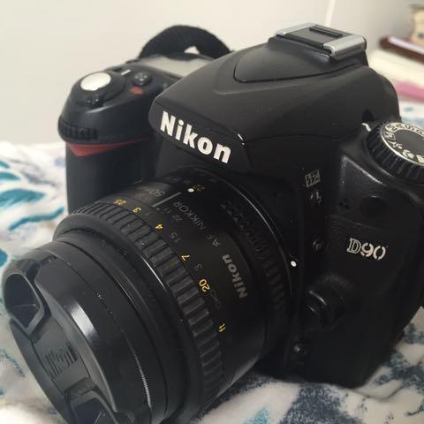 Nikon D90 Mulus + Nikkor 50mm 1.8 + 18-55