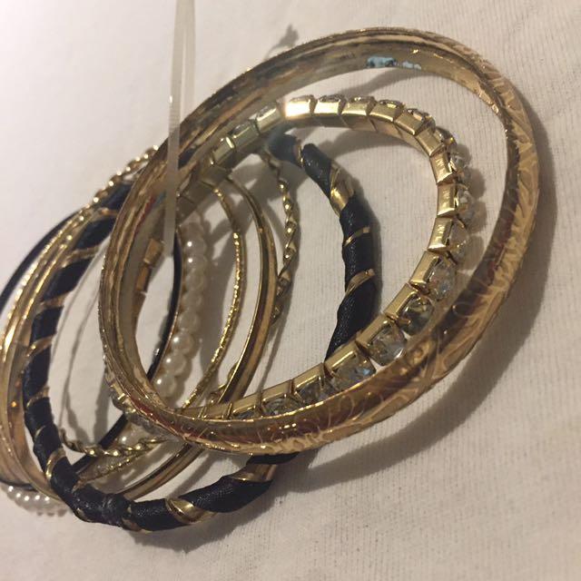 NWOT bundled bracelets
