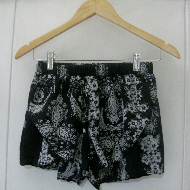 Overlap Shorts / Coverup
