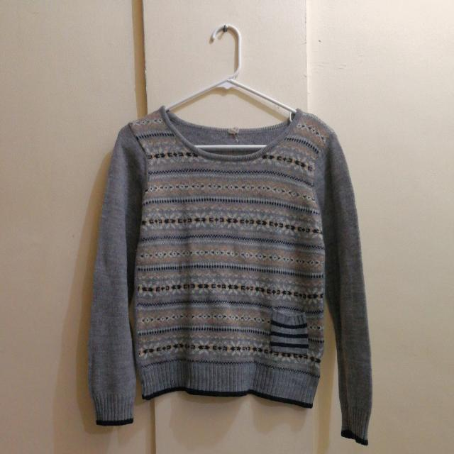 Patterned Gray Knit Pullover