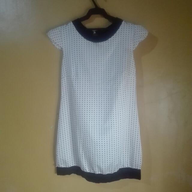 Polka dot knee-length dress