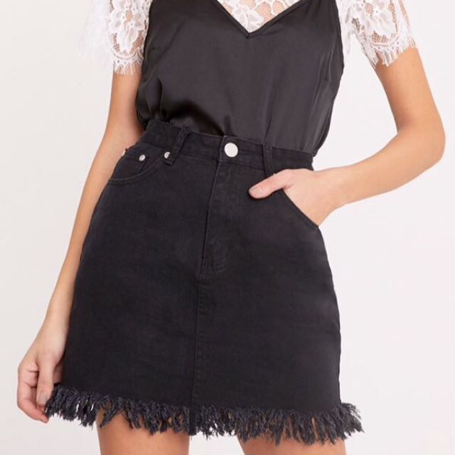Pretty Little Thing Denim Skirt