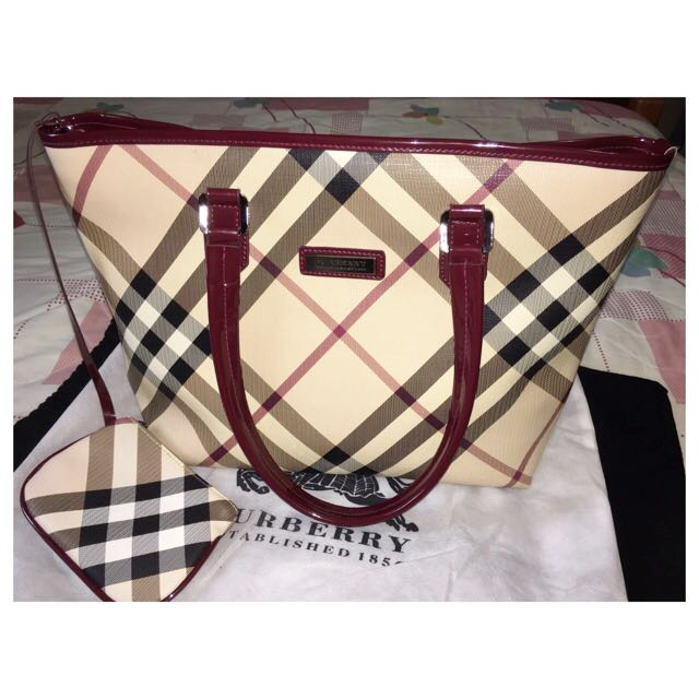 004d8fff0334 Last Chance 🙀 Burberry Tote Bag