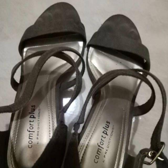Sepatu Payless Comfort Plus