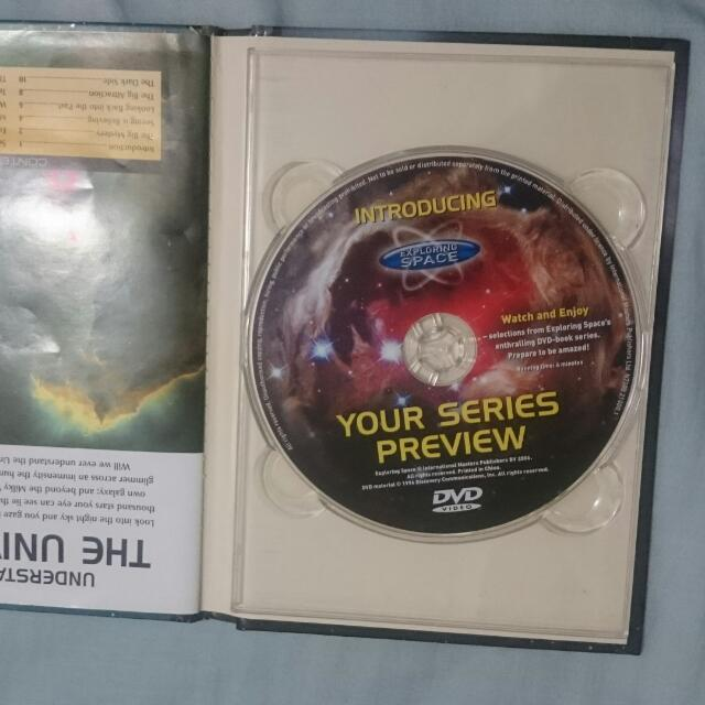 THE UNIVERSE BOOK WITH CD