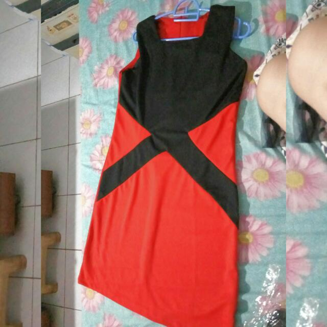 SOLD SOLD SOLD Two Tone Red-Black Midi Dress
