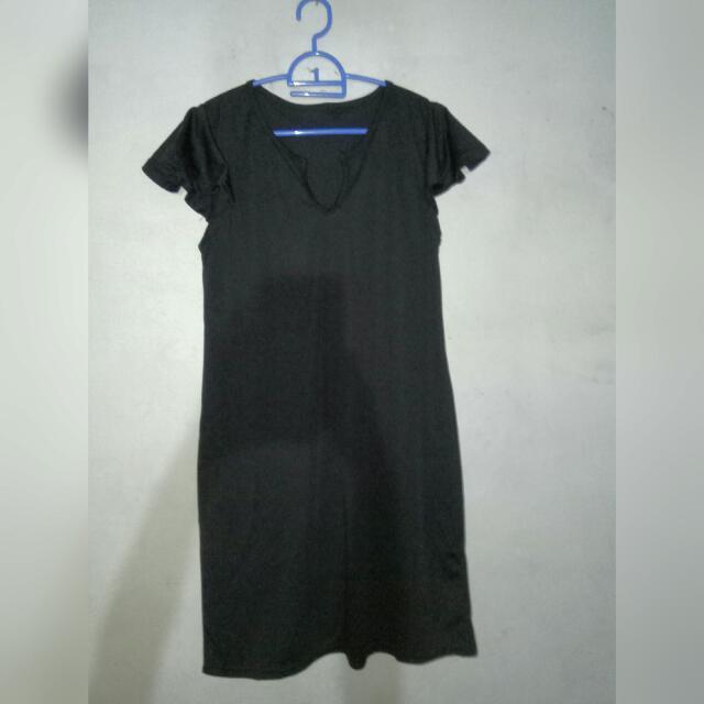 V-neck Black Midi Dress