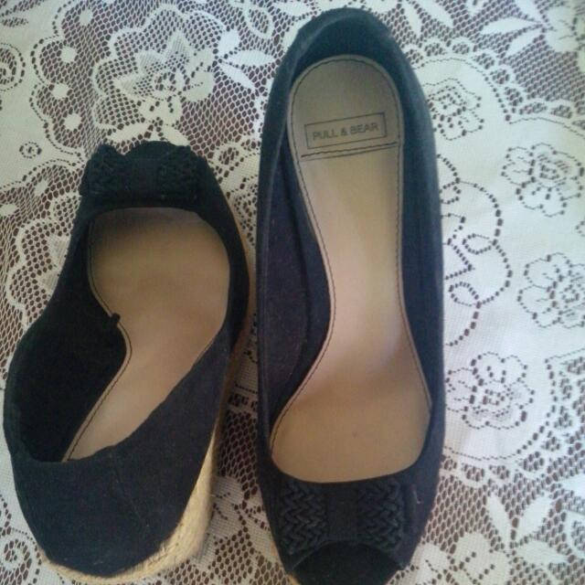 Pull And Bear Black Wedges Shoes size 37