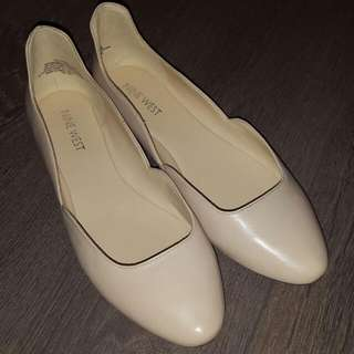 NEW Nude Flats size 7.5