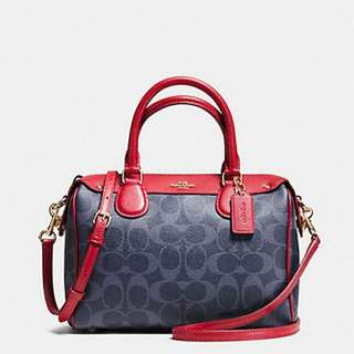95% New! Authentic Coach Shoulder / Hand Carry 2-way Bag