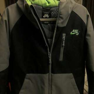 Size Large YOUTH NIKE Coat