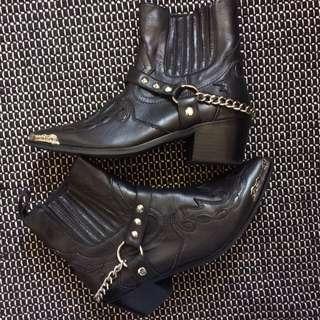 Arnhem Dakota Chain Boots sz 38